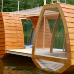 Tiny Personal HouseboatTiny Personal Houseboat